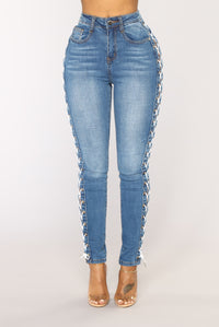 No Complaints High Rise Jeans - Medium