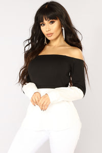 Work Or Play Off Shoulder Top - Black/White Angle 1