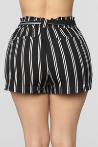 Summer Breeze Striped Shorts - Black/White