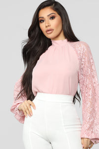 Finders Keepers Top - Mauve Angle 1