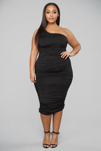 Barely Know Me One Shoulder Midi Dress - Black Angle 5
