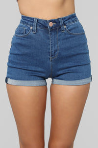Close In Age High Rise Shorts - Medium Blue Wash