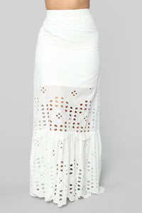 Good Music Embroidered Skirt Set - White