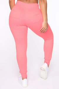 Relaxed Vibe Jogger II - Neon Pink Angle 3
