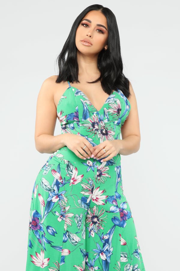 a0507ec99f33 This Feeling Floral Jumpsuit - Green Combo