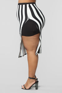 The Way You See Me Striped Skirt Set - Black/White Angle 16