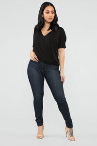 Dream On Short Sleeve Top - Black Angle 4