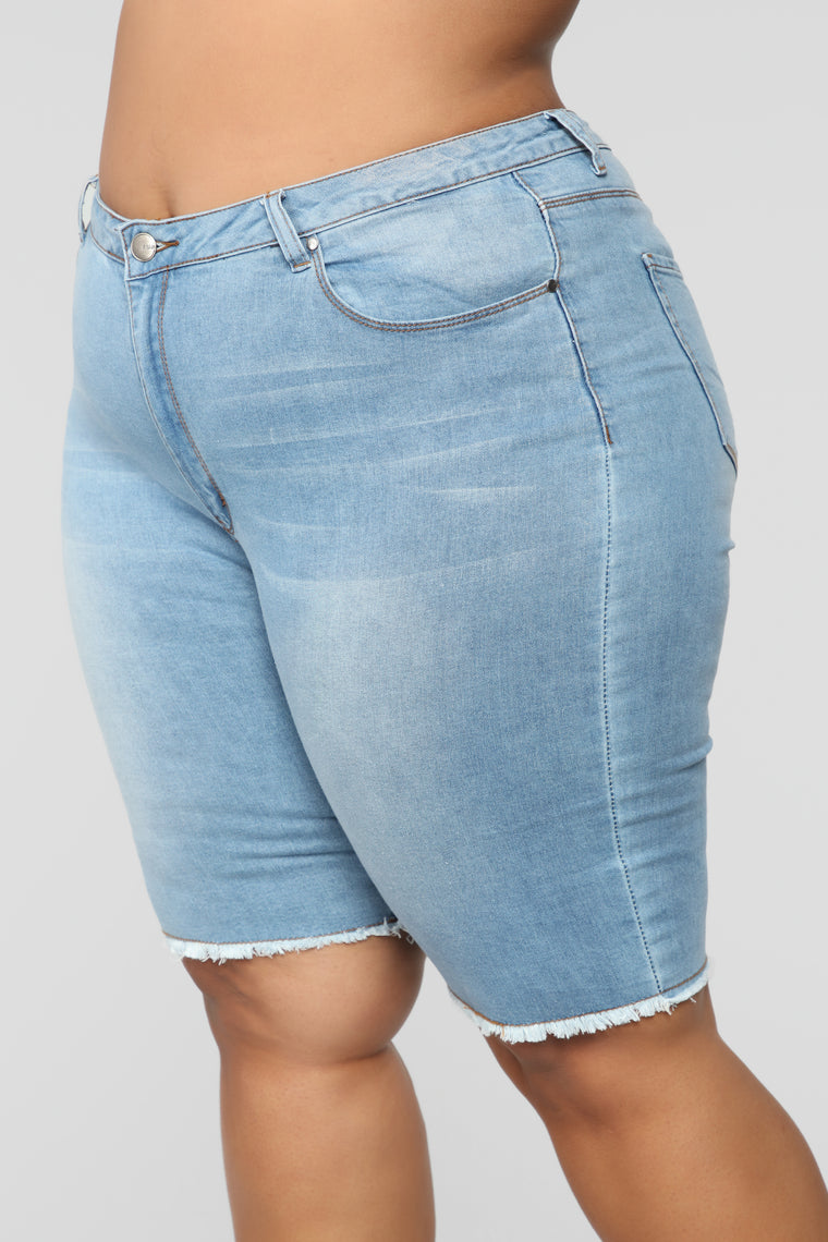 Without Me Shorts - Medium Wash