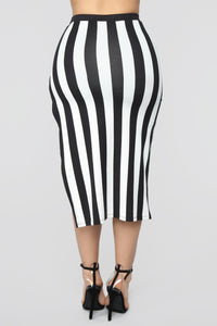 The Way You See Me Striped Skirt Set - Black/White Angle 8