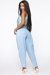 Daydreaming High Rise Mom Jeans - Light Blue Wash Angle 4