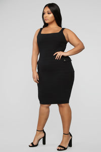 Out Of My Control Midi Dress - Black Angle 7