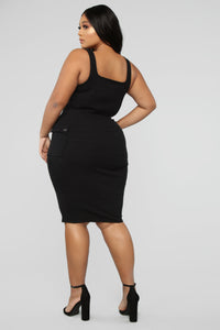Out Of My Control Midi Dress - Black Angle 8
