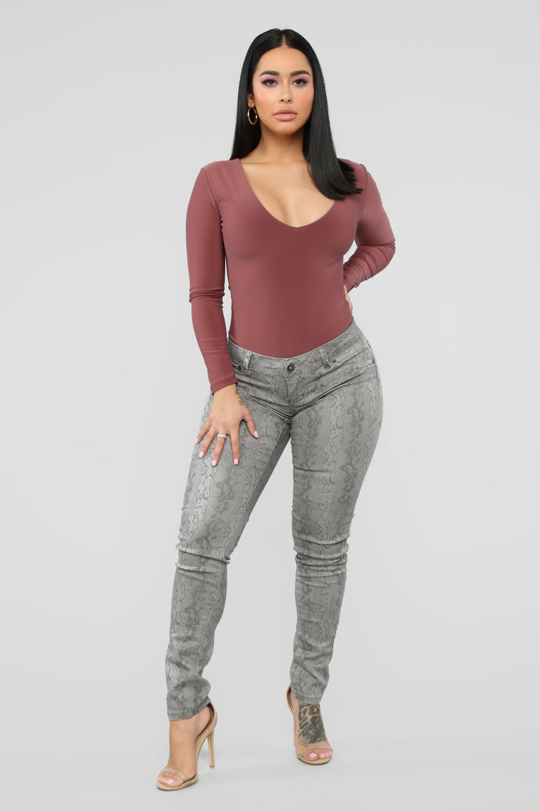 Pick Your Poison Low Rise Jeans   Grey by Fashion Nova