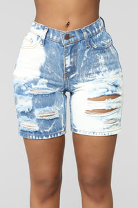 Made My Mind Up Bermuda Shorts - Medium Blue Wash