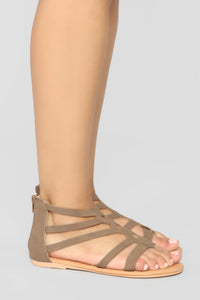Summer Fling Flat Sandals - Brown