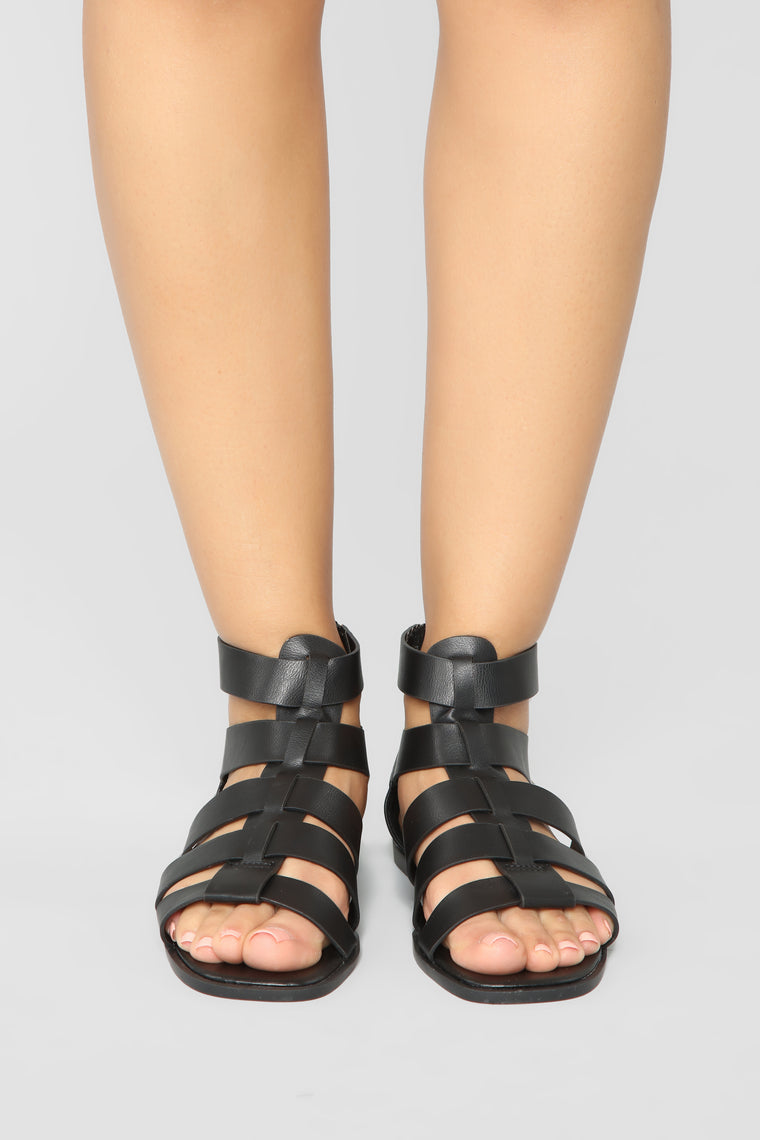 Delightful Flat Sandals - Black