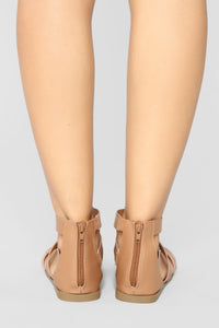 Delightful Flat Sandals - Tan