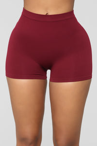 Uncomplicated Seamless Shorts - Wine