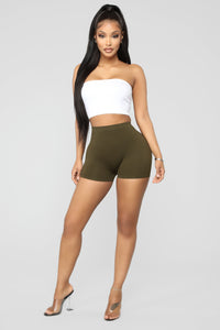 Uncomplicated Seamless Shorts - Olive