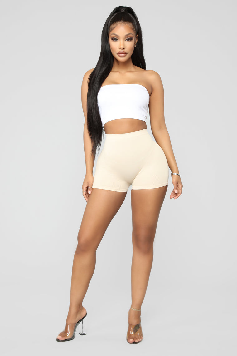 Uncomplicated Seamless Shorts - Nude