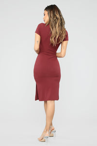 Show Your Sass Midi Dress - Wine