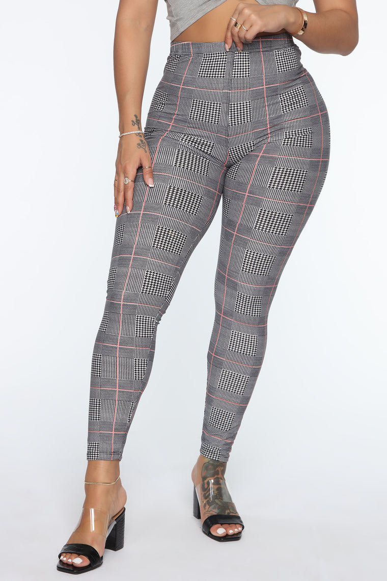 Time To Check In Plaid Leggings - Black/Pink