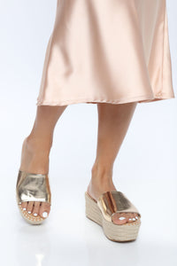 Hot Spot Wedges - Gold Angle 1