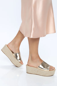 Hot Spot Wedges - Gold Angle 2
