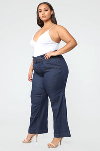 Showstopper High Rise Jeans - Dark Denim Angle 2