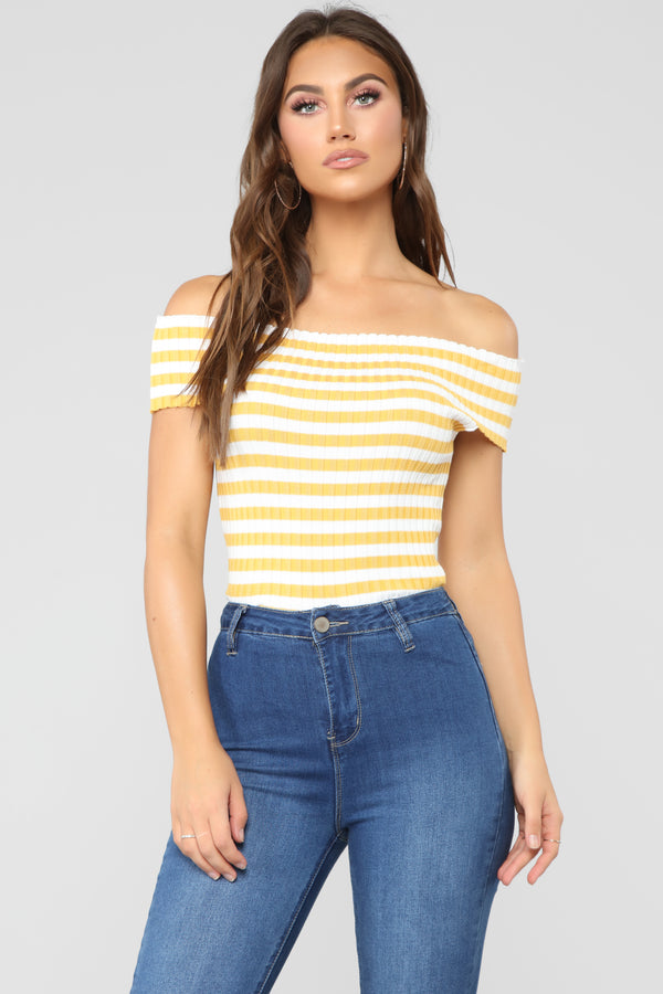 5f5125043e3f Off Shoulder Tops