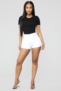 Close In Age High Rise Shorts - White