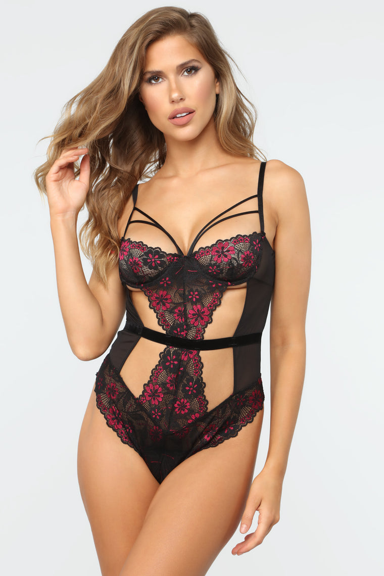 Bare With Me Lace Teddy - Black/Pink