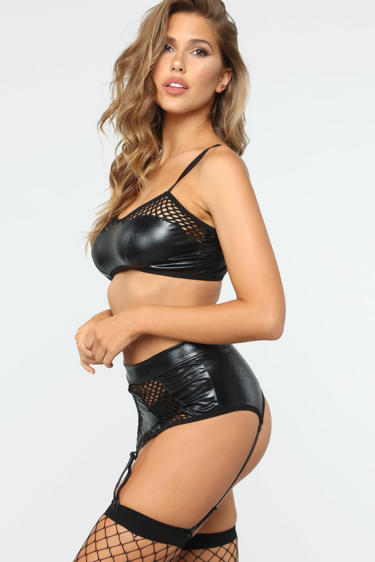 Sneaky Acts 3 Piece Fishnet Set - Black