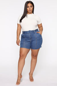 Square Up Belted Denim Shorts - Medium Blue Wash Angle 4
