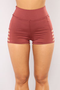 Run The World Active Shorts - Rose Angle 1