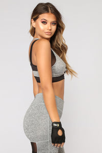 Stayin Pretty Active Sports Bra - Grey/Black