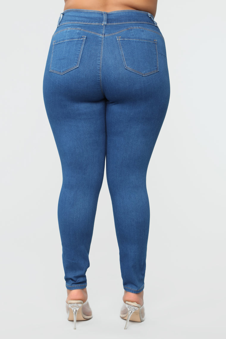 With Ease Booty Shaping Jeans - Medium