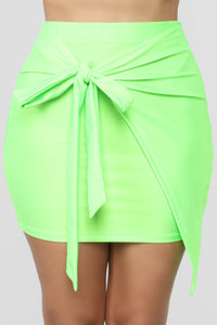 Top Model Wrap Skirt - Green Angle 2