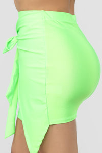 Top Model Wrap Skirt - Green Angle 4