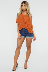 Dream On Short Sleeve Top - Rust Angle 2