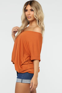Dream On Short Sleeve Top - Rust Angle 3