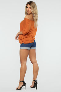 Dream On Short Sleeve Top - Rust Angle 4