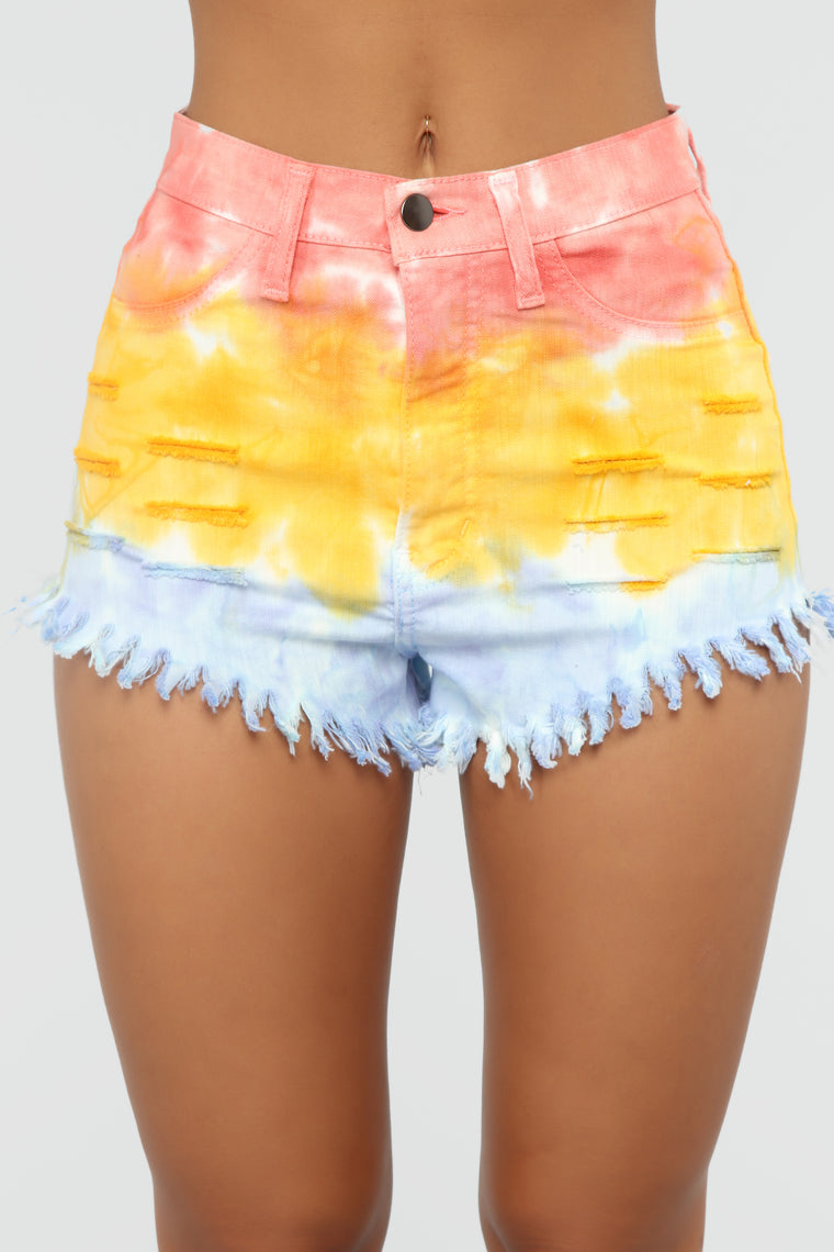 Don't Be Afrayed Denim Shorts - Coral