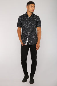 Neilo Short Sleeve Woven Top - Black