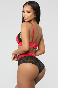 Cuddle Up Babe Lace 2 Piece Set - Red/Black