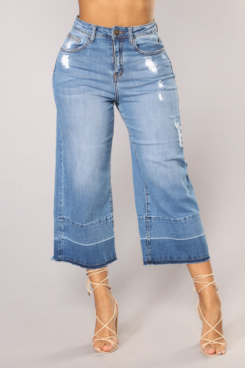 Release The Vibes Ankle Jeans - Medium Blue Wash