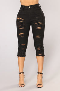 Keanna Distressed Bermuda Shorts - Black