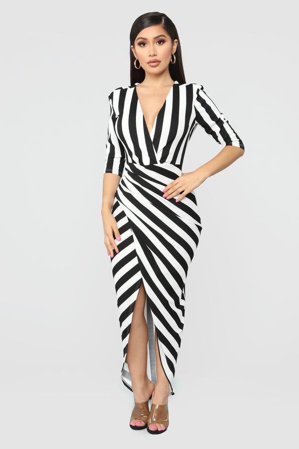 Keep Holding on Stripe Midi Dress - Black White 3b8db4f87ff0