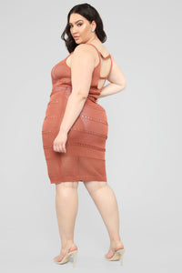 Walk On The Beach Midi Dress - Marsala Angle 8