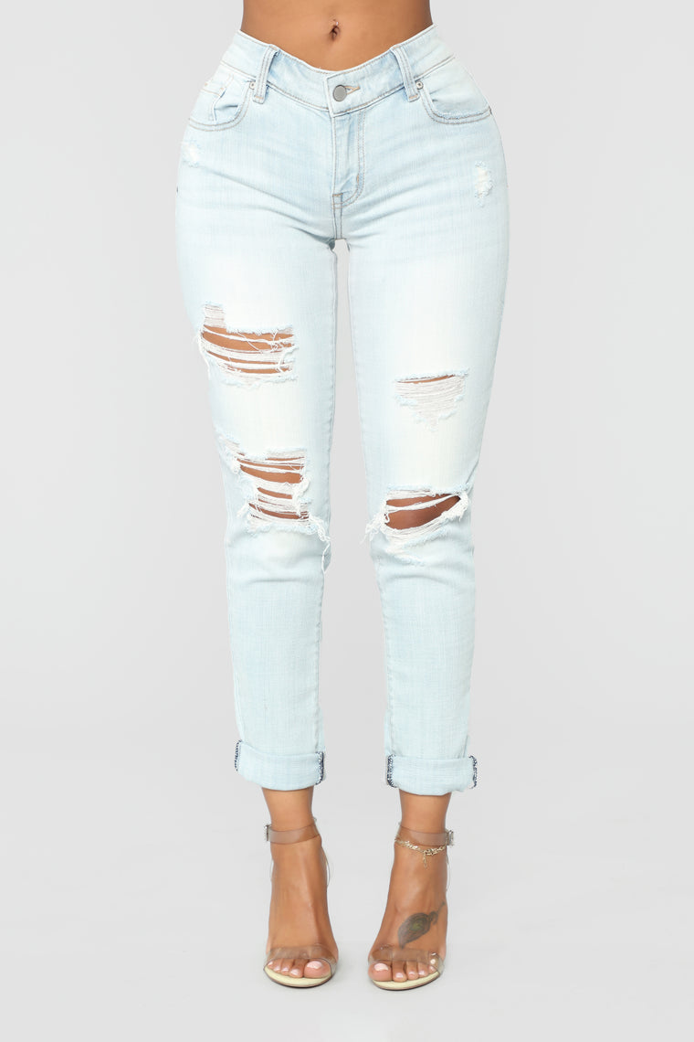 Far From Average Mid Rise Skinny Jeans - Light Blue Wash